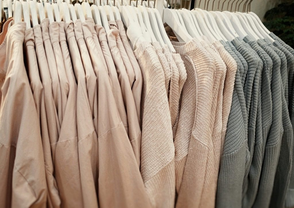 Store checks of clothing chains